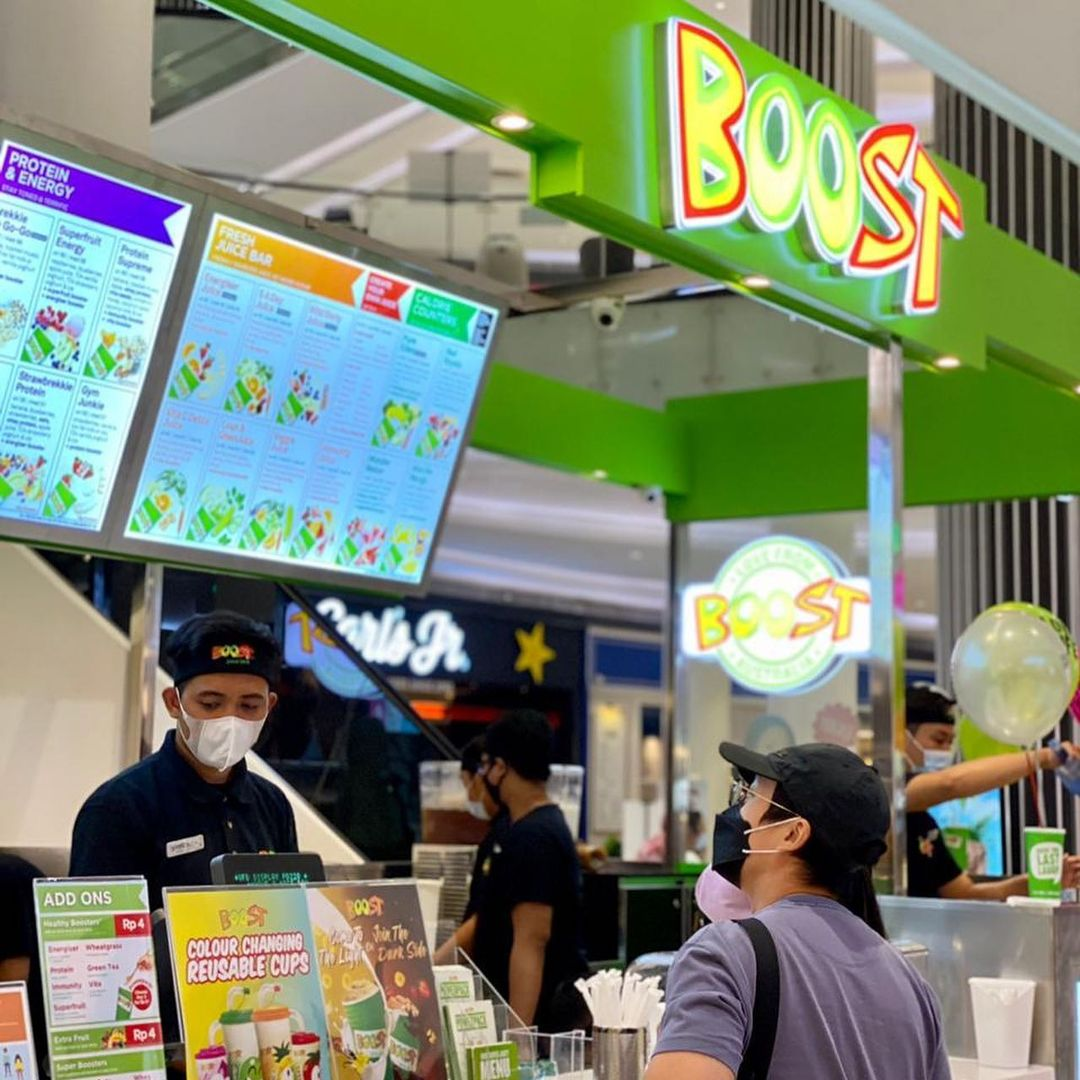 Boost Juice Bar shop front in lippo mall puri st. moritz