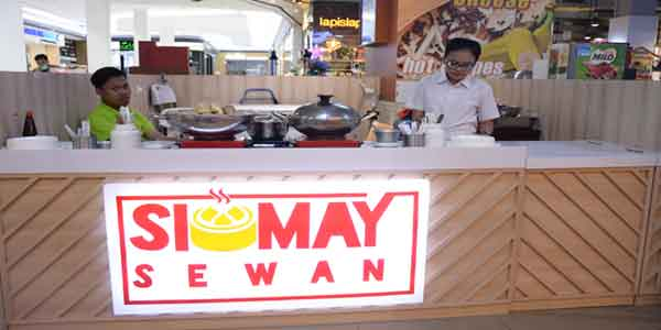 Siomay Sewan shop front in lippo mall puri st. moritz