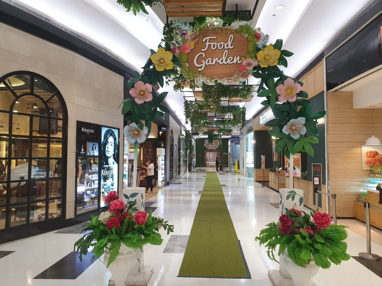 Food Garden shop front in lippo mall puri st. moritz