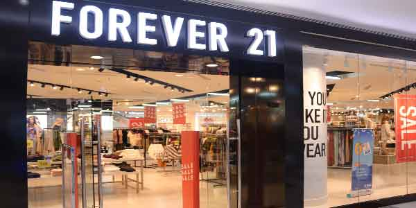 Forever 21 shop front in lippo mall puri st. moritz