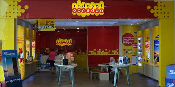 Indosat Ooredoo shop front in lippo mall puri st. moritz