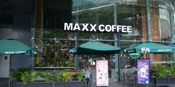 Maxx Coffee shop front in lippo mall puri st. moritz