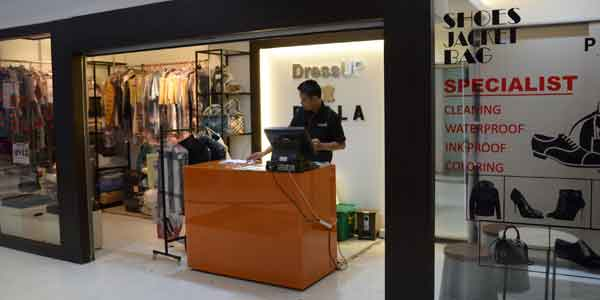 Dress Up & Perla shop front in lippo mall puri st. moritz